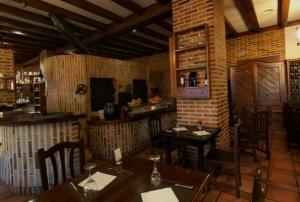 30e90c_plaza_mayor_restaurante[1]