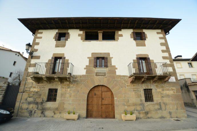 fachada-txantxorena-1140x760