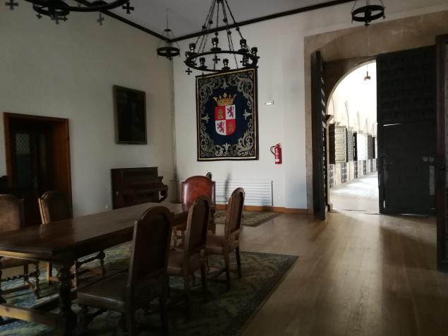 Salón que pude observar al estar abierto el acceso